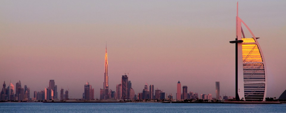 The great Dubai at sunset - Emirats