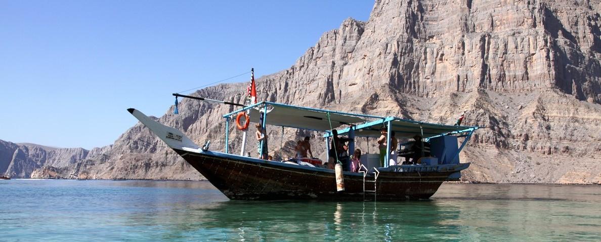 Boutre dans la baie de Sham au Musandam- Oman