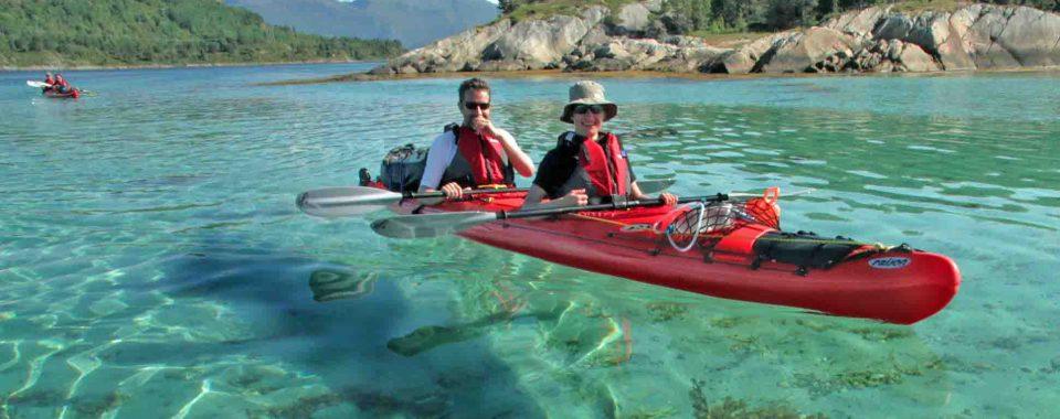 Kayak dans le Fjord de Tysfjord pres des Lofoten
