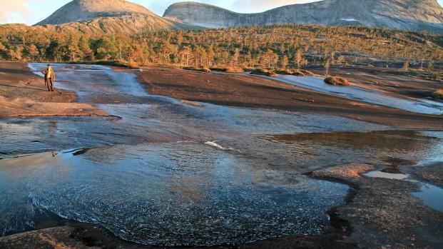 Voyage-rando-kayak-en-Norvege-Arctica-Nature20-621×349